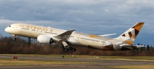 Etihad-Airways-Boeing-787-Dreamliner-set-to-fly-to-Riyadh1-300x135
