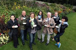 pic-1-ITALIAN-JOURNALISTS-VISIT-WALLED-GARDEN-GLENARM