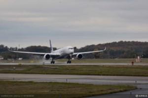 A350-1000-First-Flight-Landing.2016-11-24-16-06-12-300x200