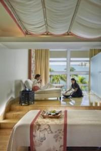miami-2014-luxury-spa-mandarin-suite-02